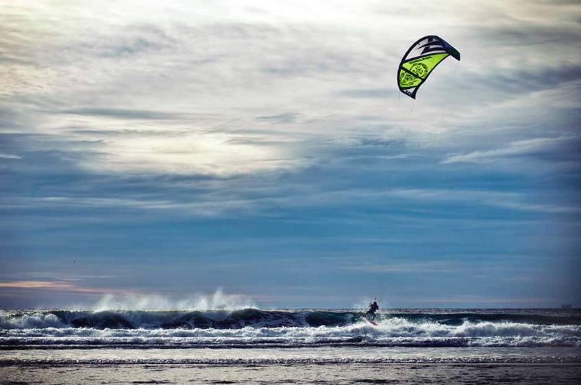 Prøv kitesurfing